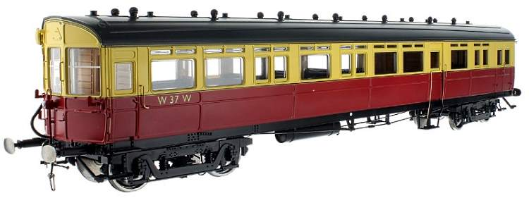 Dapol's new Diagram N autocoach in O scale shown here in BR crimson and cream