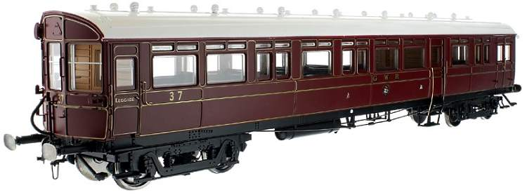 Dapol's new O scale Diagram N autocoach in GWR's crimson lake livery