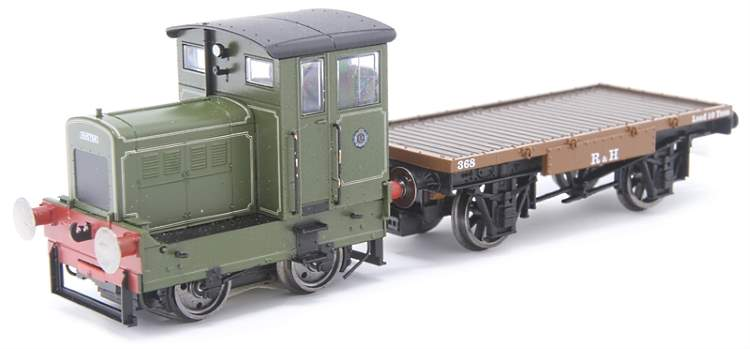 A lined, pale green paint sample of the OO scale Ruston DS shunter coming from Hornby